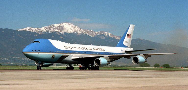 Trumpin Air Force one kuvassa