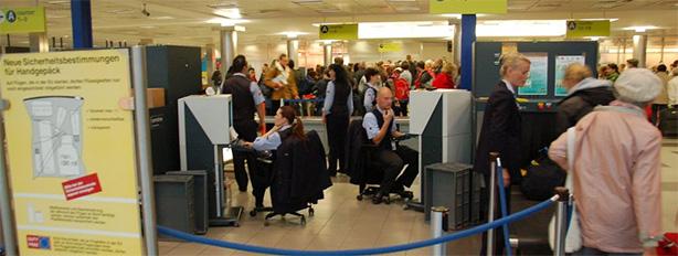 turvatarkastus lentokentällä security control